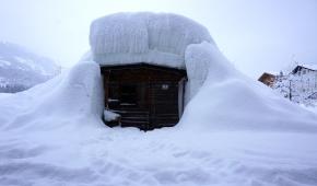 Neuhaus-Winter-Iglu-1