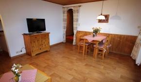 neuhaushof-appartement1-001-wohnzimmer