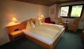 neuhaushof-appartement1-004-schlafzimmer2
