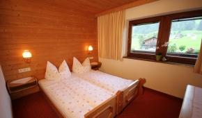 neuhaushof-appartement1-004-schlafzimmer