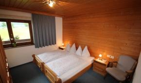 neuhaushof-appartement2-004-schlafzimmer